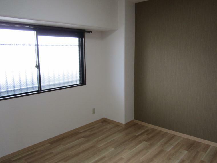 洋室 ●広めの主寝室は6.8帖!