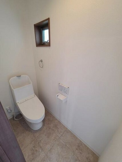 トイレ すっきり清潔感のあるトイレスペース