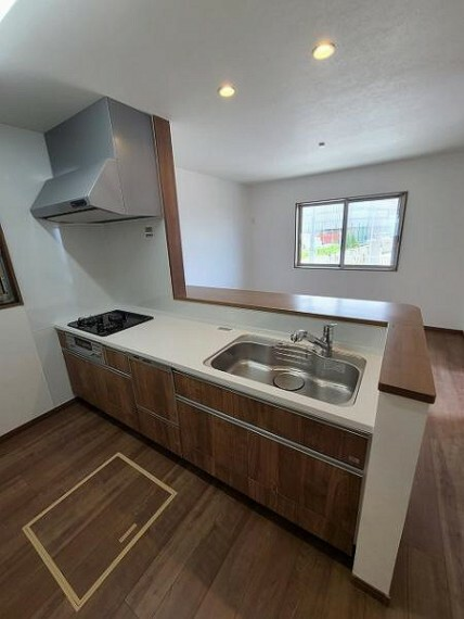 キッチン 食洗器付システムキッチンでお料理も弾みます!
