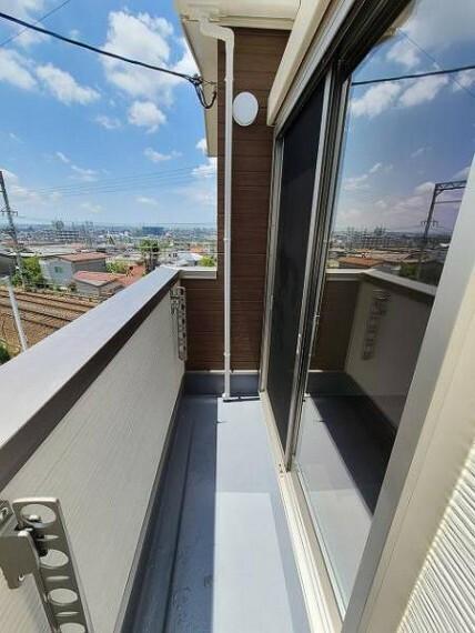 バルコニー 洗濯物干しスペースは十分なスペースを確保できています!
