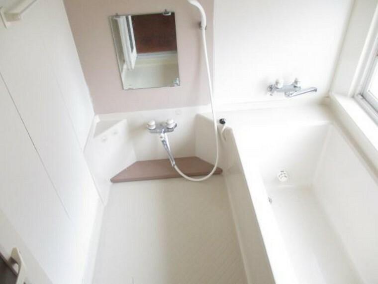 浴室 浴室は気持ちよくご利用していただけるようにクリーニング予定です。