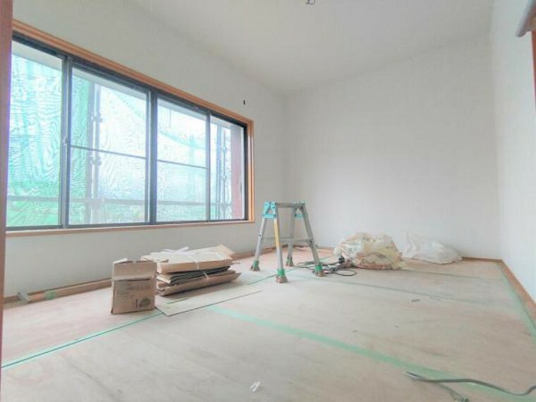 【リフォーム中】2階西側和室は洋室に変更します。現在の押し入れを部屋に取り込み、6帖に拡張しました。