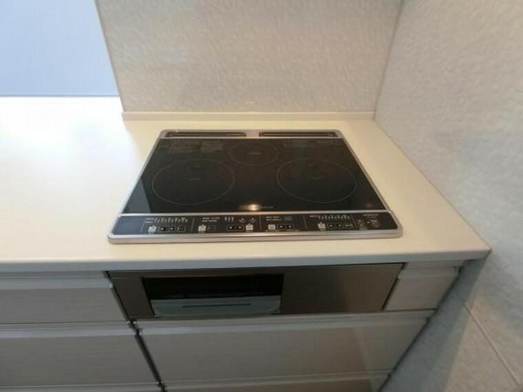 キッチン IHコンロを採用。
