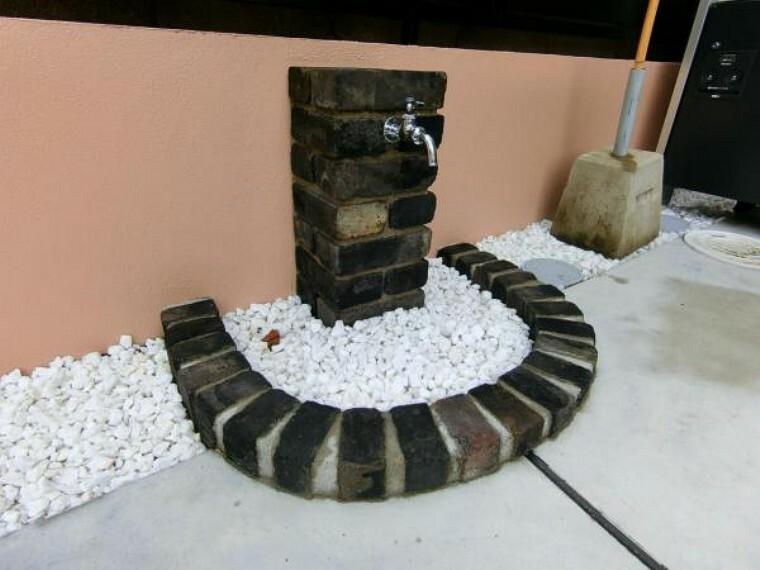 玄関 玄関前の水栓