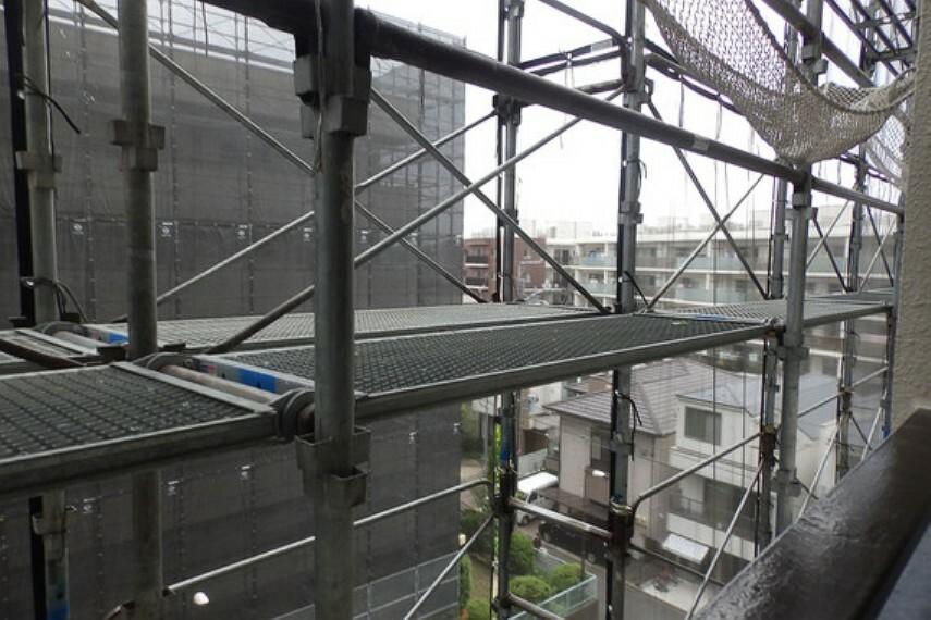 眺望 南側バルコニーからの眺望です。大規模修繕は7月末終了予定です。
