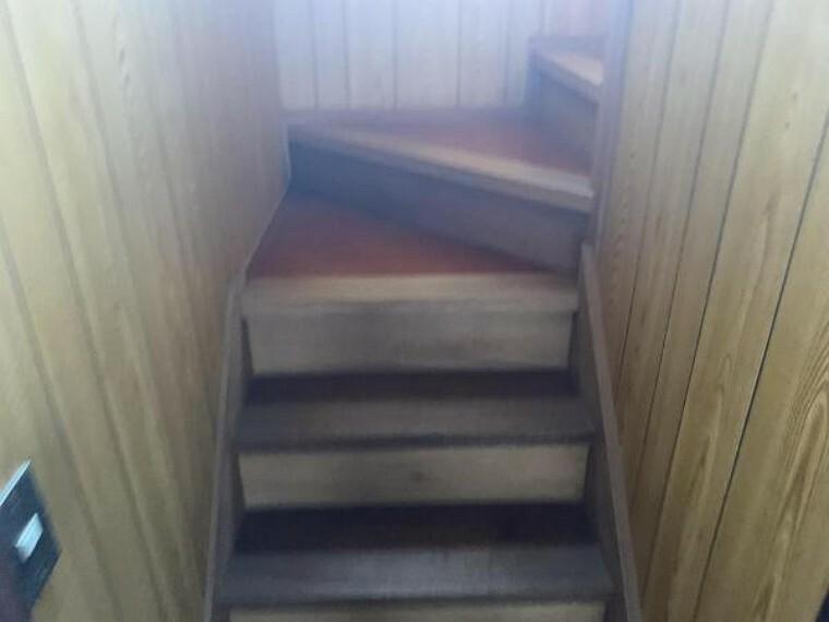 【リフォーム中9/10撮影】階段です。