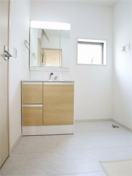 脱衣場 【1号棟】洗面室・床下収納