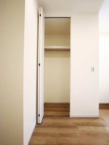 収納 【1号棟】1階廊下収納