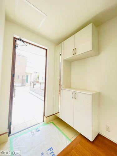 玄関 お出かけ前に全身チェックできる、ミラー付きシューズボックス!収納たっぷりでいつもきれいな玄関を。