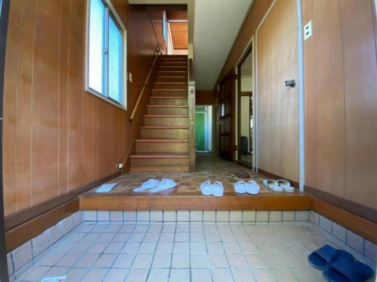 玄関 <2021/05撮影>廊下