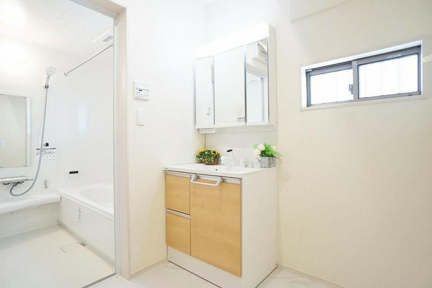 ランドリースペース 上質な洗面空間がゆとりの時間を演出