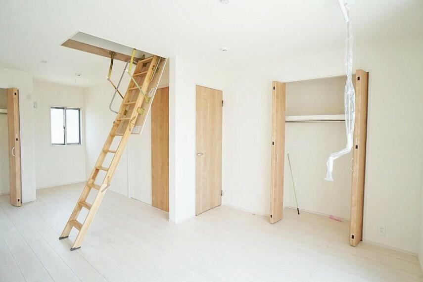 洋室 家族構成の変化に対応できる洋室は収納付きでスッキリ快適に過ごせます