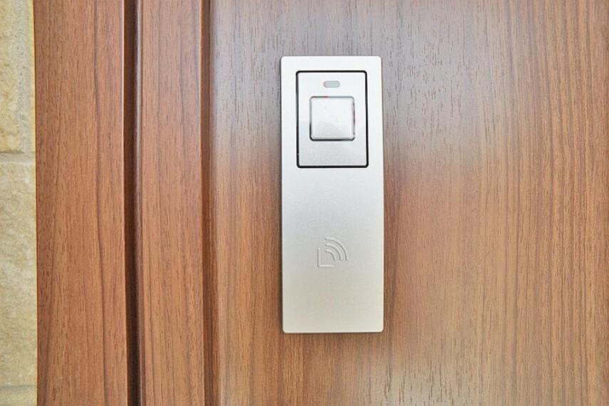 玄関 スマートに開錠できる電子キー採用です