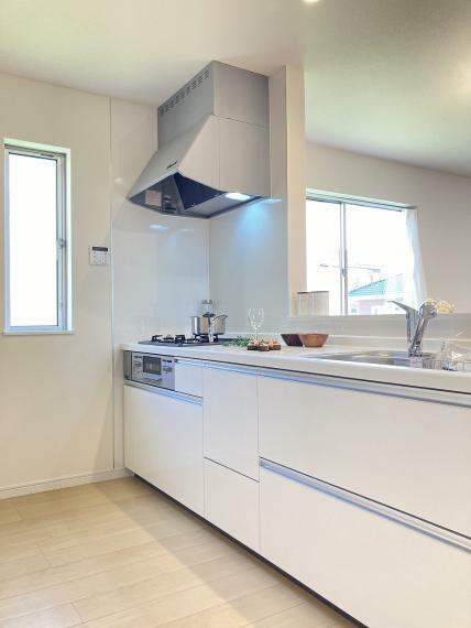キッチン 【1号棟】システムキッチン・浄水器一体型シャワー水栓・床下収納