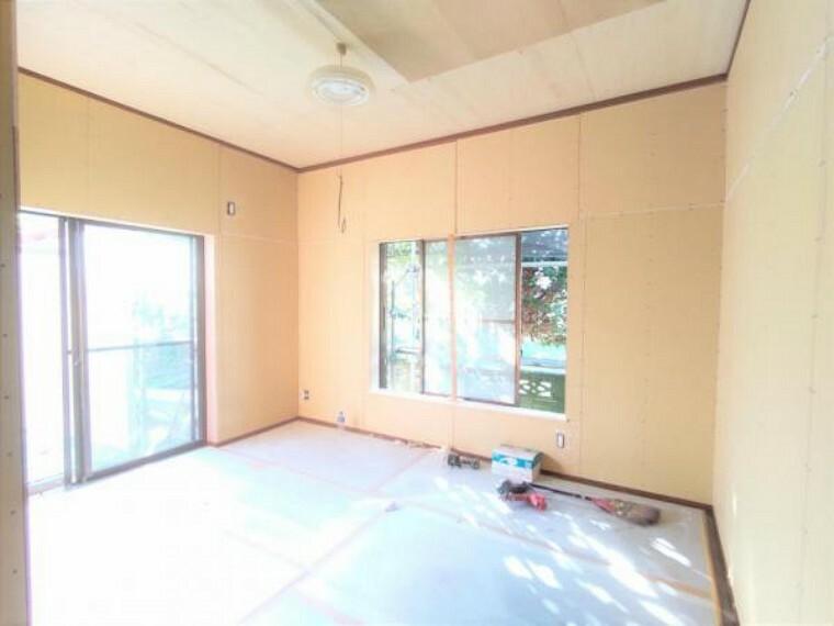 【リフォーム中写真】9/10撮影 1階北東側和室写真です。和室から洋室に変更致します。2面採光で風がスーッと抜けるので気持ちが良いですね。
