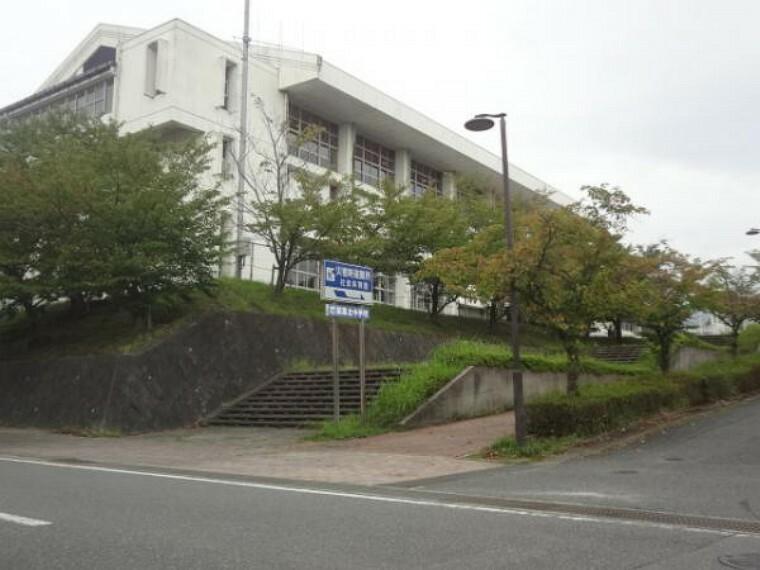 中学校 篠栗北中学校まで徒歩24分(1870M)です。距離はありますが、毎日歩くことで体力もつきますね。