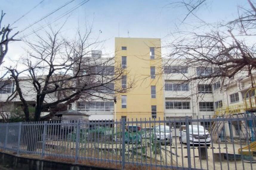 小学校 【小学校】高石市立高陽小学校まで560m