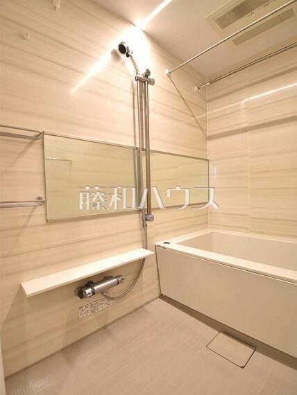 浴室 浴室換気乾燥機は梅雨の時期等、なかなか乾かない洗濯物を干すのに役立ちます!  【クラルテ武蔵野】