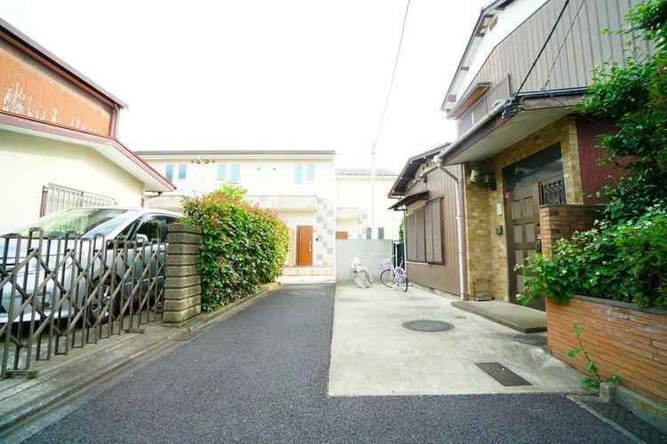 現況写真 このエリアは敷地に余裕がある邸宅が多いゆったりとした街並みです。
