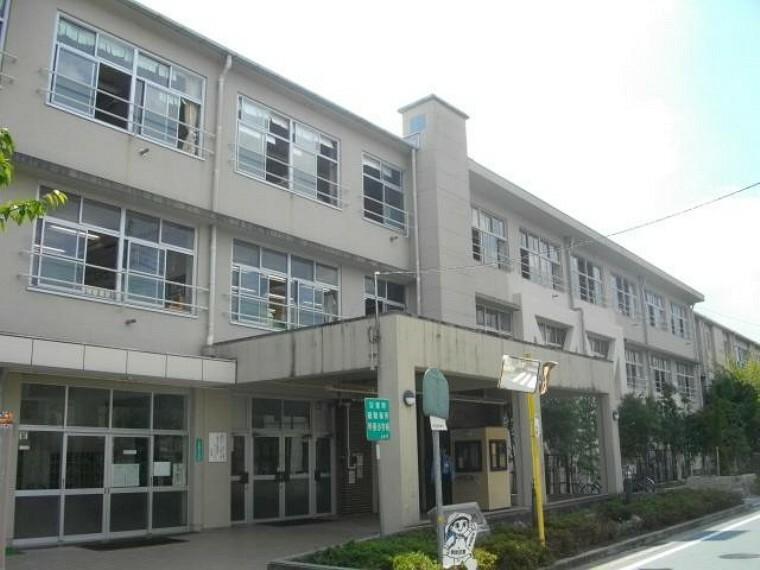 小学校 【小学校】西宮市立甲東小学校まで752m
