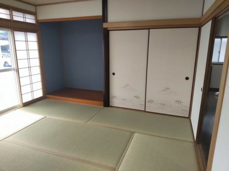 【リフォーム後写真】和室になります。畳の表替えを行い、障子、襖は張替えを行いました。押入れもありお布団の収納にも困りません。和室が一部屋あると急な来客時安心便利ですね。
