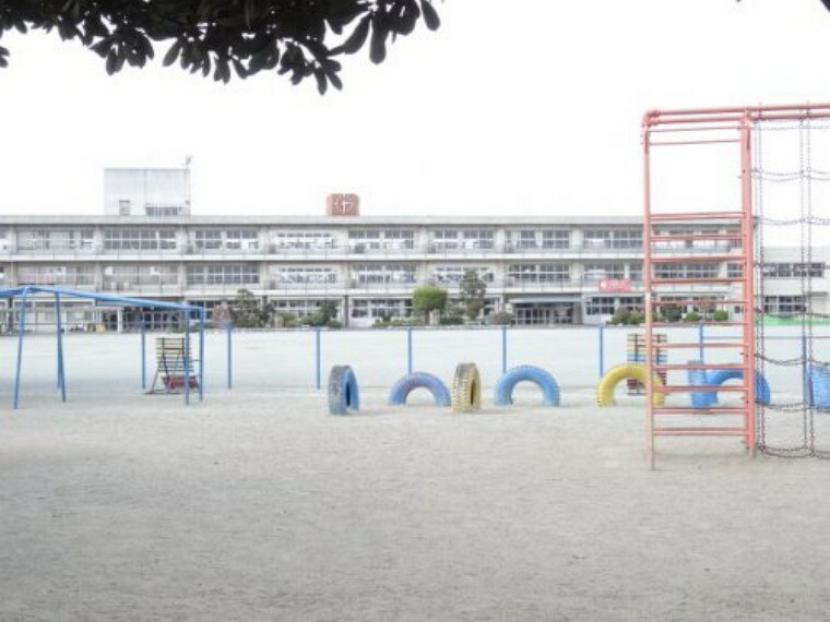 小学校 【小学校】高崎市立 新町第二小学校まで309m