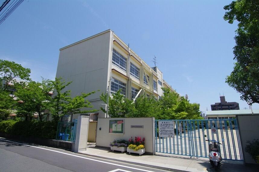 小学校 【小学校】尼崎市立武庫小学校まで676m