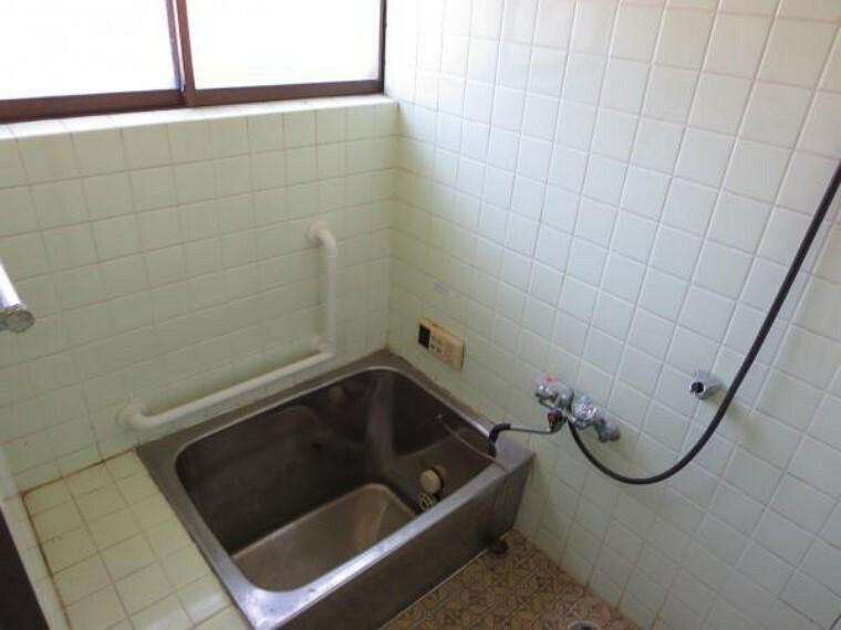 浴室 【リフォーム中】現状の浴室です。1坪サイズのユニットバスに新品交換予定です。