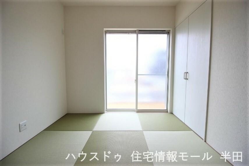 和室 LDKに隣接した和室は家事スペースとして、お子様のお昼寝スペースとして活躍しそうですね