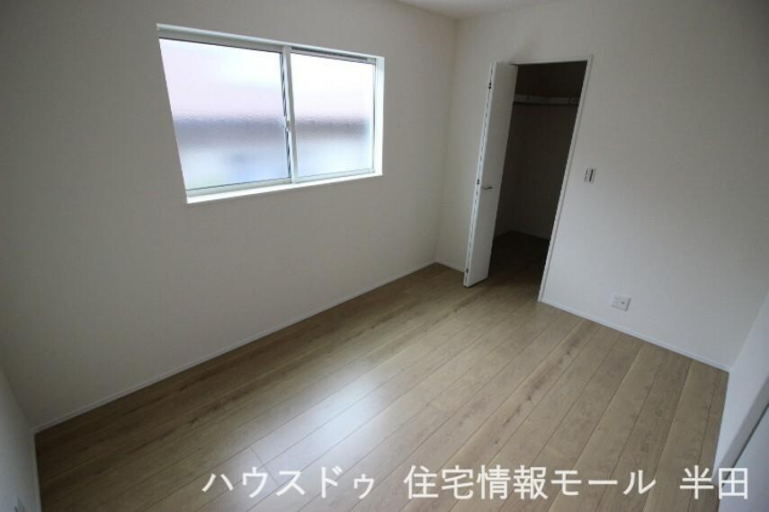洋室 6帖洋室 2面採光で過ごしやすい居室