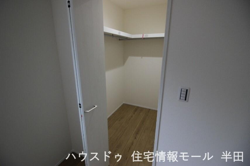 ウォークインクローゼット  2階居室すべてWIC付