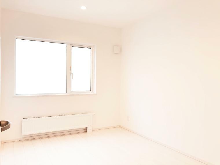 洋室 ハイディングルームになっています。こちらも物入付きのお部屋です。