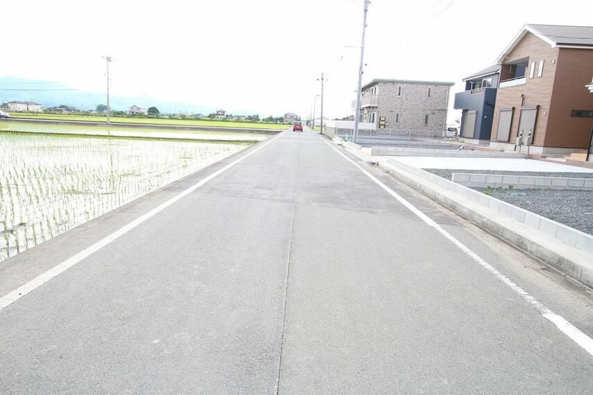 現況写真 前面道路 幅約5m
