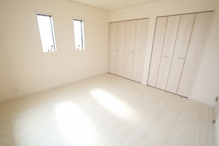 洋室 2面採光で明るく、風通しの良い洋室です。