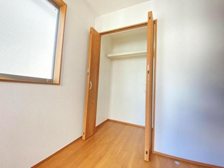 収納 清潔感のある空間を保てるよう、収納スペースを広く設けております。