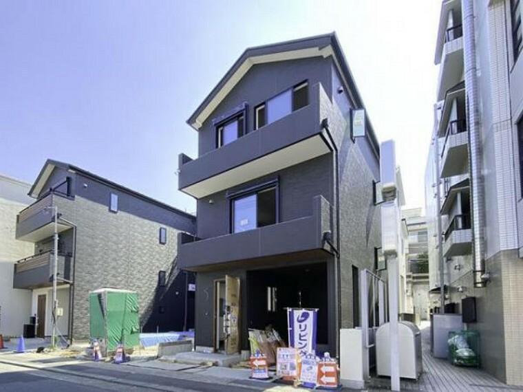 現況外観写真 豊かな居住性とクオリティが見事に調和した住空間。