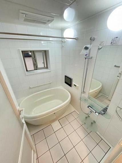 浴室 ユニットバス(窓あり・浴室乾燥機、浴室TV付き)