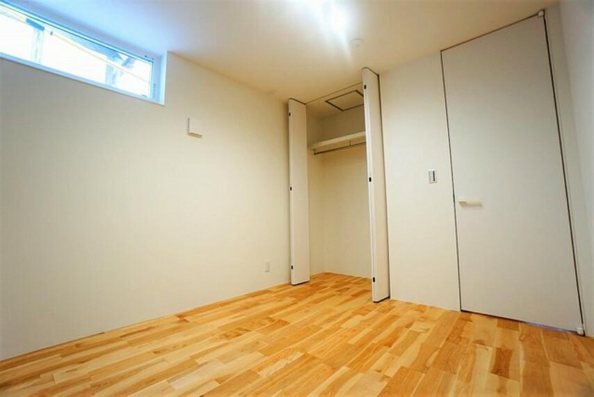 洋室 各居室に収納スペースがあるので、洋服や小物類など目的に応じてすっきり美しい収納を実現します。