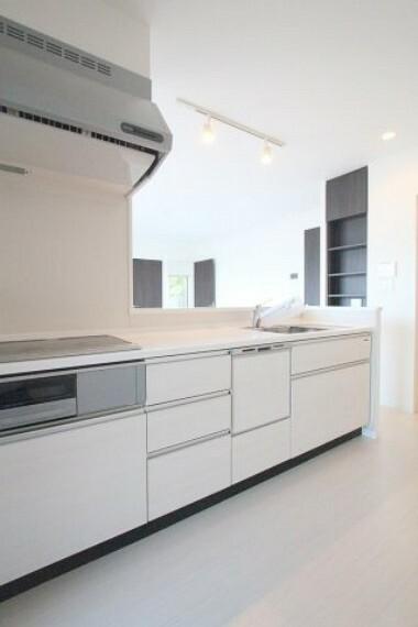 キッチン 奥様お助けアイテムの食洗機付き
