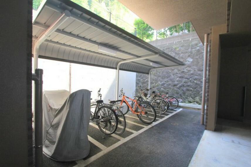 駐輪場 屋根付き駐輪場!