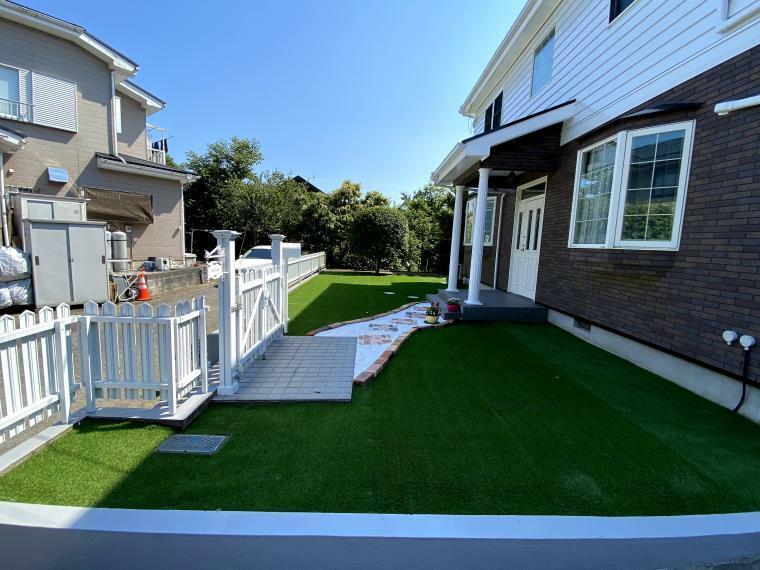 庭 庭の様子 人口芝に全面改修しました