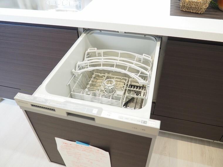 食器洗浄乾燥機  キッチンには嬉しい食洗機付き  家事の時短や手荒れの防止、節水などメリットいっぱい