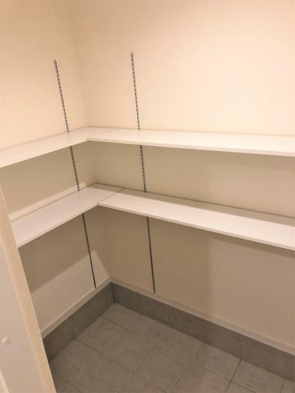玄関 SCL(シューズインクローゼット)の施工例写真です。