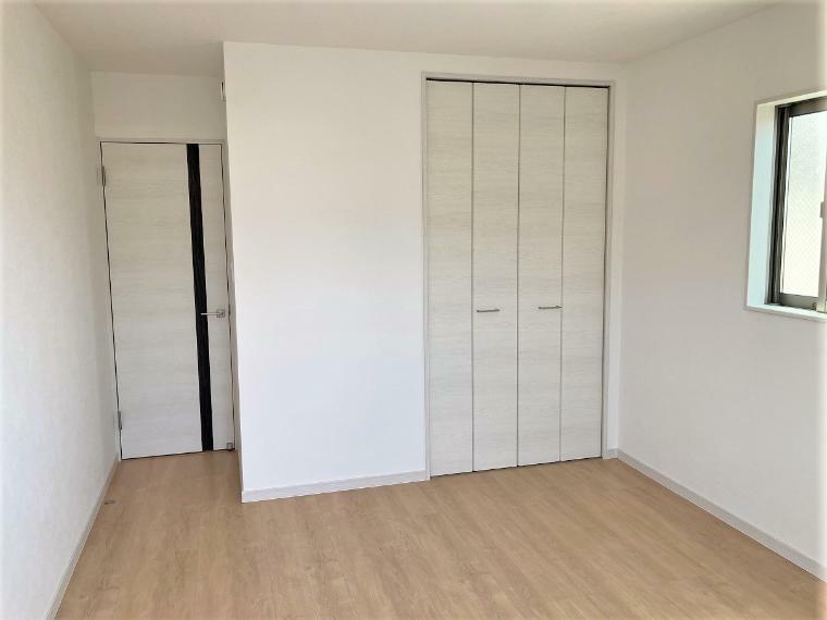 洋室 洋室-4の施工例写真です。