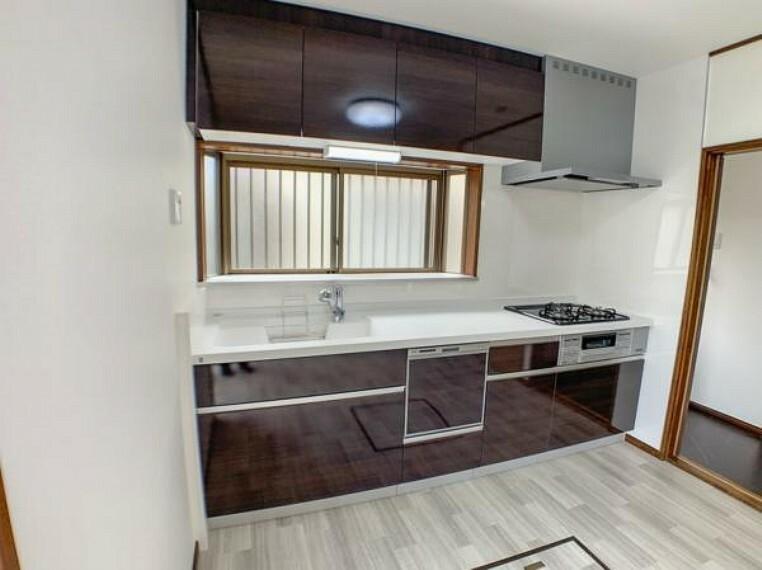 キッチン 【キッチン】キッチンは食洗機付き新品になりました。奥様に嬉しい機能ですね。