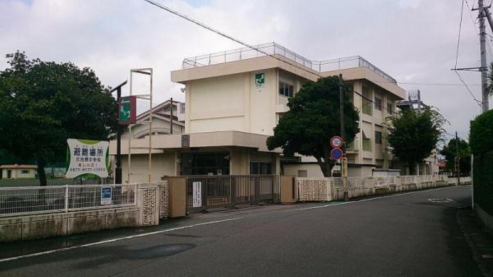 中学校 【中学校】元吉原中学校まで約500m(徒歩約9分)です。部活動で帰りが遅くなっても安心な距離です。