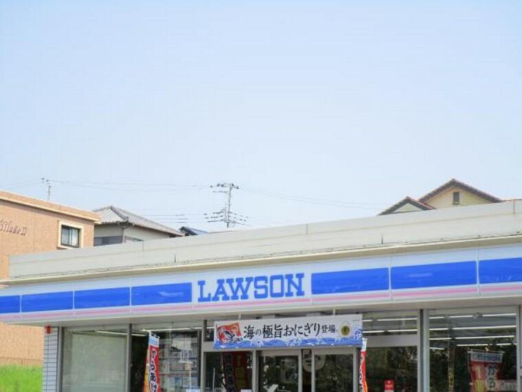 コンビニ 【コンビニ】ローソン富士依田橋店まで約1.5km(車で約4分)です。買い忘れや深夜にも便利な距離です。