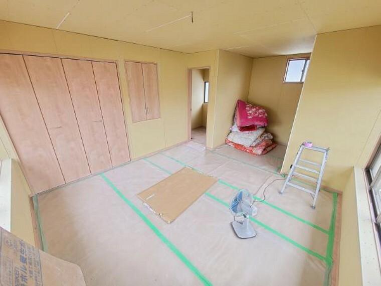 洋室 【リフォーム中】2階の8帖洋室です。和室から洋室に変更致します。