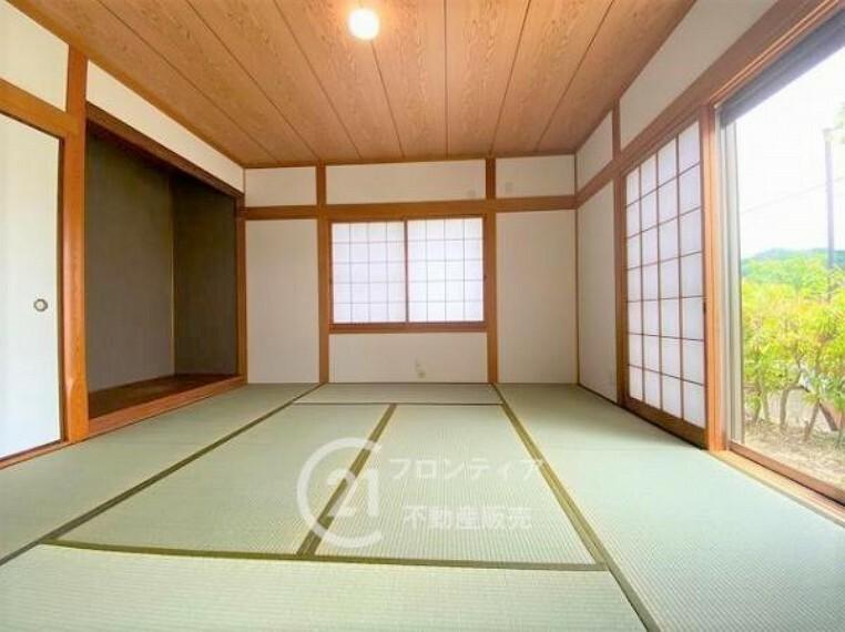 和室 8帖の和室は広々開放的!