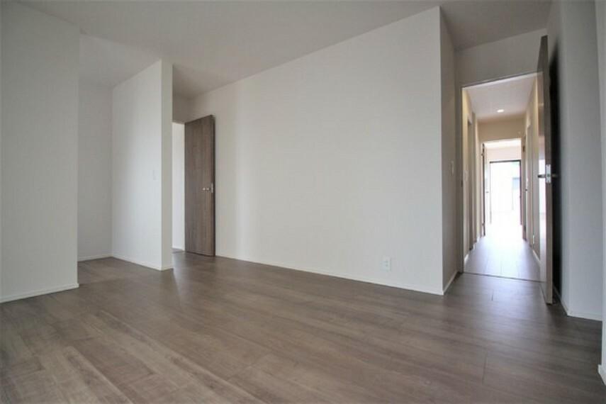 洋室 9.875帖洋室はテレワークにも活用できる書斎あり